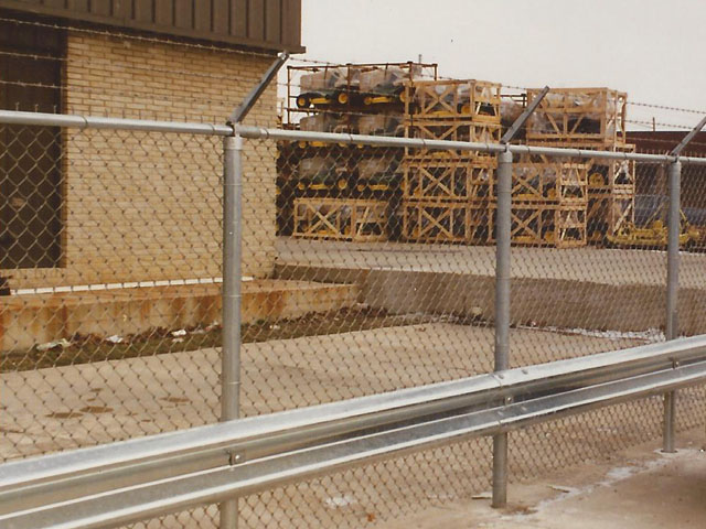 Chain Link Fence; Residential, Commercial and Industrial Fencing