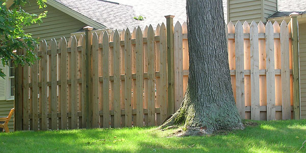 Reverse runner picket shadowbox fence by elyria fence company picket shadowbox fencing built by elyria fence company workwithnaturefo