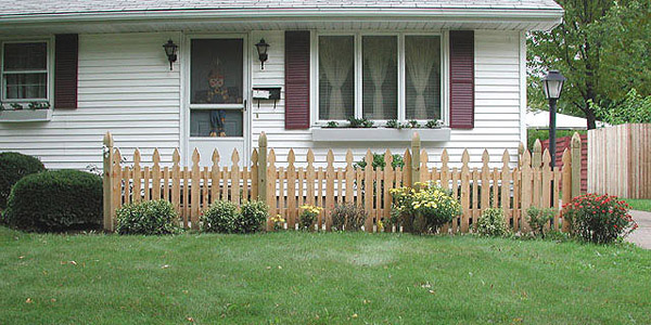 Reverse Runner Provincial Picket Fence With Finial Posts