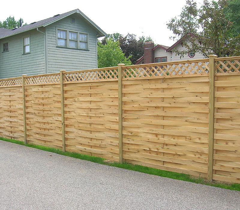 WOOD FENCE WITH LATTICE FENCES