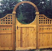 privacy scalloped gate with a halo  by elyria fence