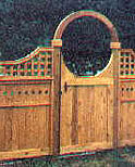 privacy fence with scalloped gate and scalloped square lattice
