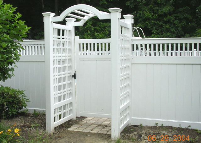 Vinyl Arbor with Gate and Fence